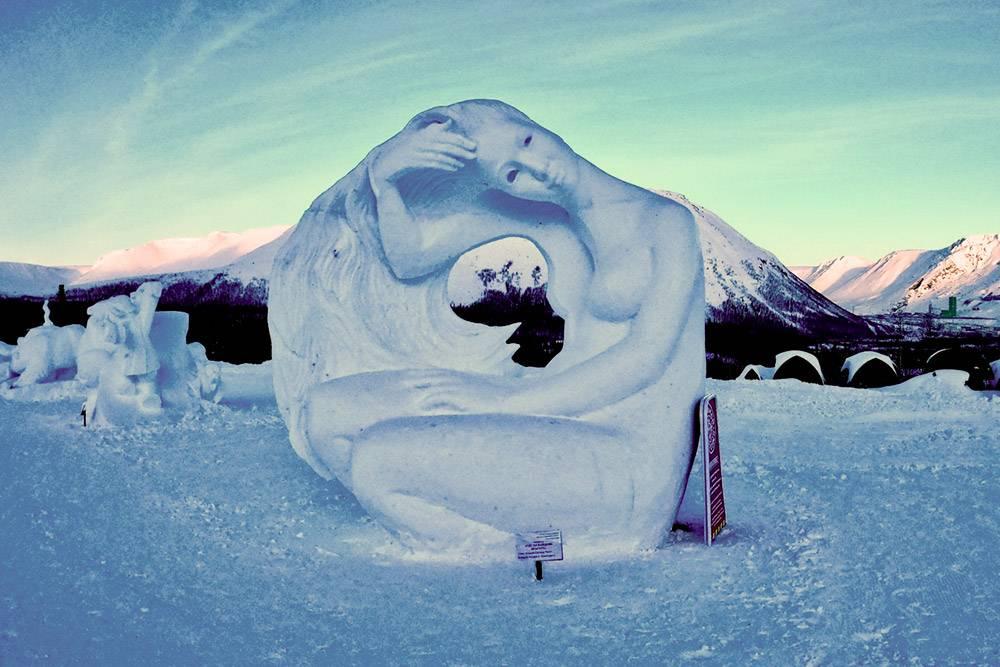 Зимой в Кировске проходит фестиваль снежно-ледовых скульптур «Снеголед». В 2020году он состоялся 20—26 января. В это время мастера из разных городов и стран создают и выставляют снежные и ледяные скульптуры в центре города