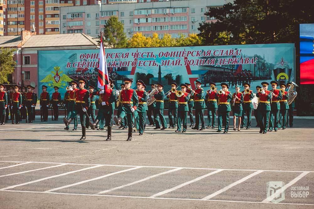 Курсанты ТВВИКУ — участники тюменских парадов Победы на 9 мая. Источник: группа вуза во «Вконтакте»