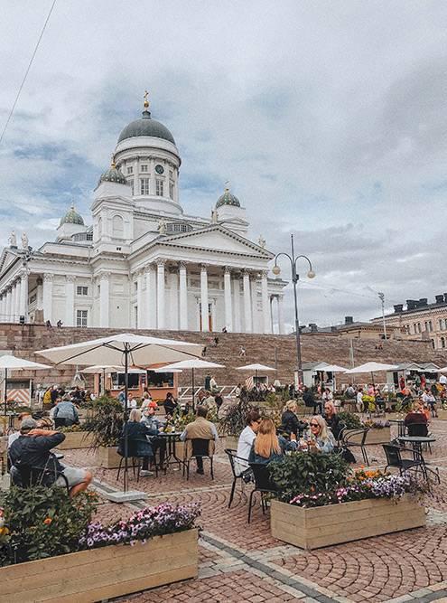 Главная достопримечательность Хельсинки — собор Святого Николая наСенатской площади