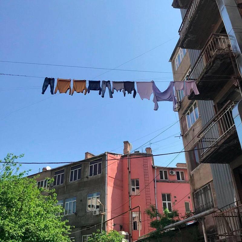 В Ереване белье сушат на улице