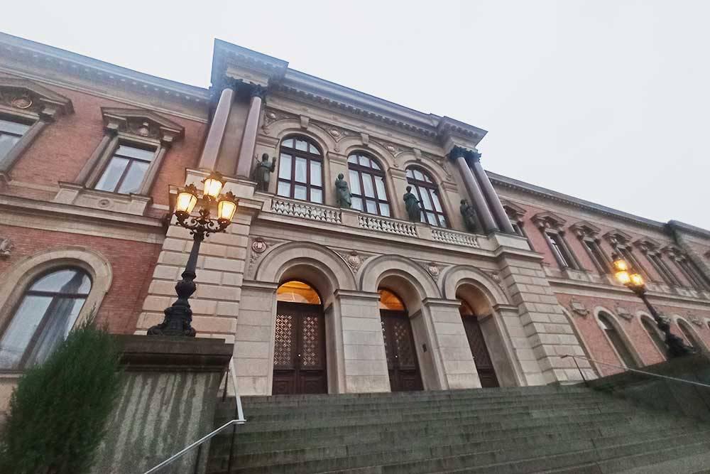 Главное здание Уппсальского университета