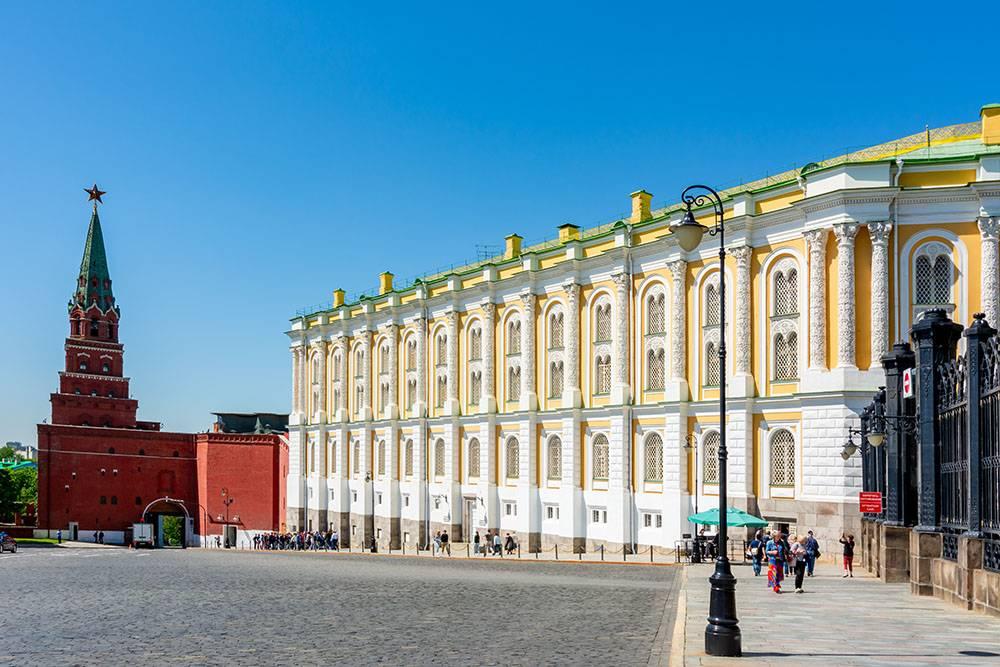 Перед посещением Кремля уточняйте режим работы на сайте: в праздники он может быть ограничен