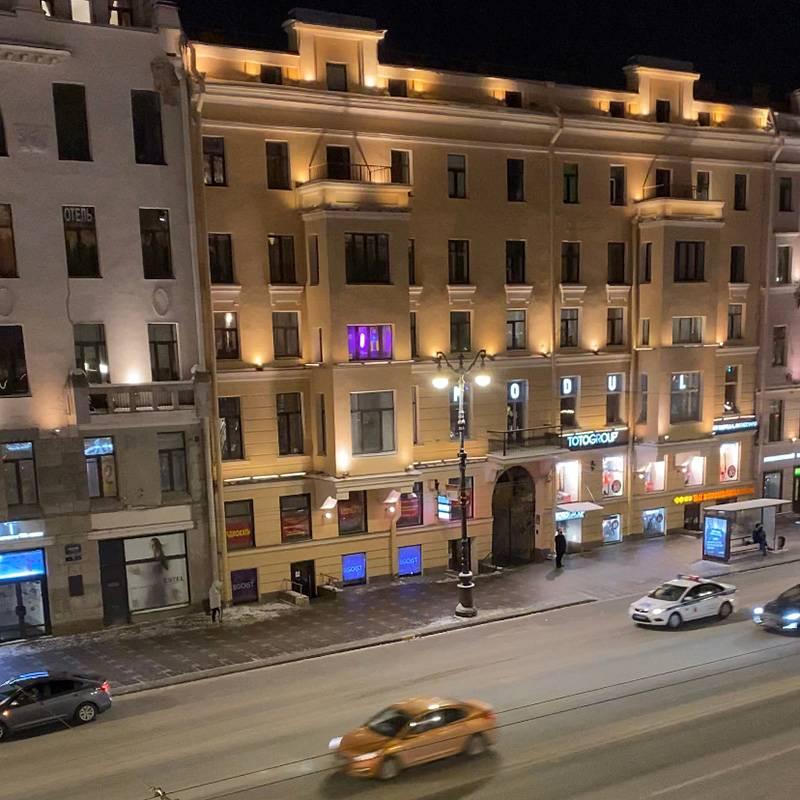 Вид с балкона бара. Ночной Петербург прекрасен, хоть и прохладен