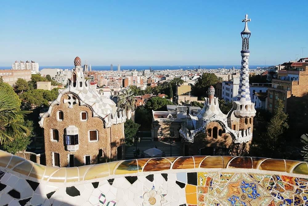 Открыточный вид Барселоны — парк Гуэль