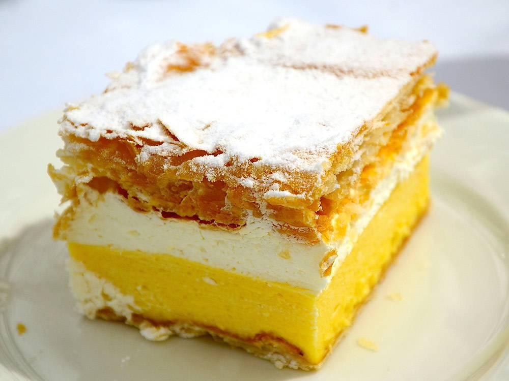 Пирожное «Блейская резина» из взбитых сливок и заварного крема. Фото: wattie/Flickr