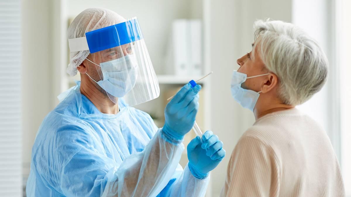 Туристов обязали дважды сдавать тест на коронавирус по возвращении из-за границы