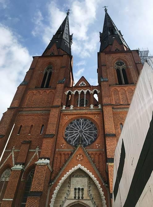 Кафедральный собор Уппсалы — главный собор Церкви Швеции. В нем хранится важная реликвия — мощи покровителя Стокгольма святого Эрика