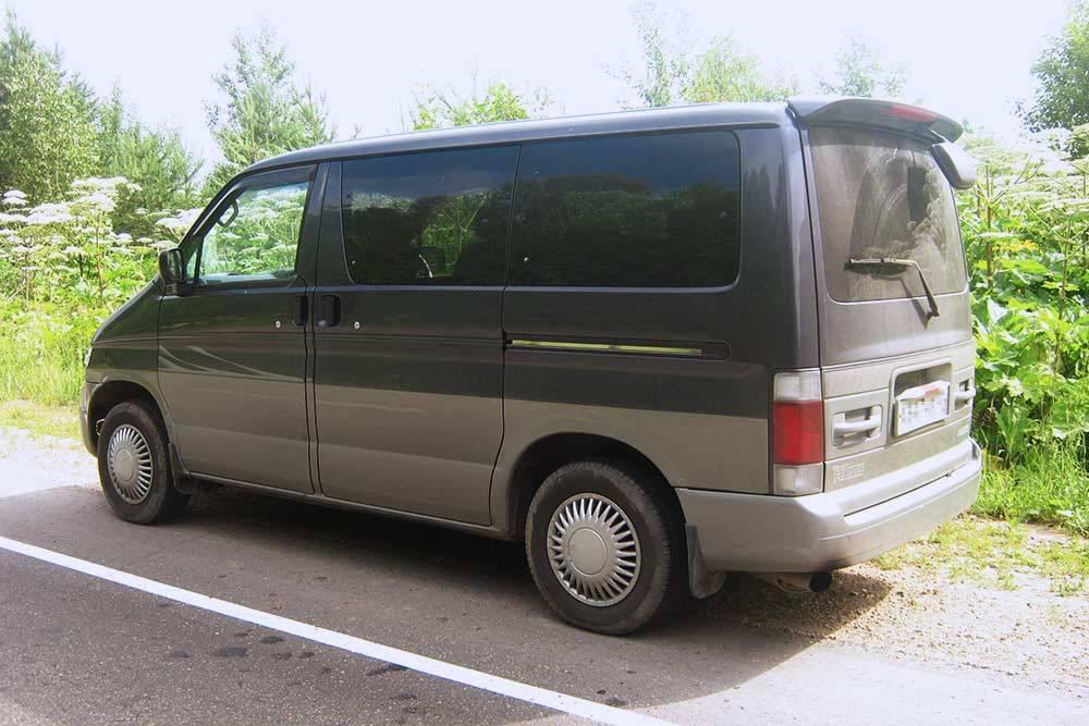 Мазда Бонго Френди1997. Примерно так выглядел наш микроавтобус в лучшие годы