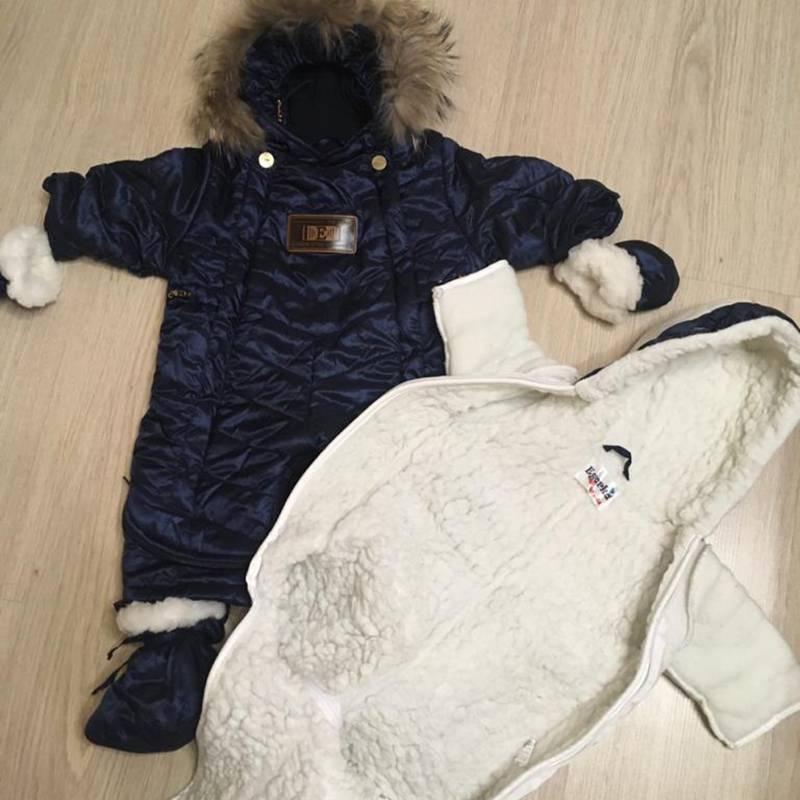 Подстежка из натурального овчинного меха надежнее защищала малыша от зимних морозов, чем конверты-одеяла с синтетической набивкой