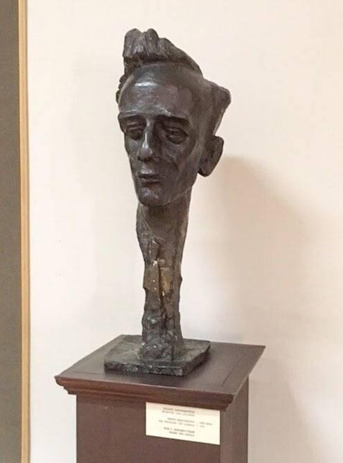 Помимо картин, в музее есть скульптуры. Источник:«Тревеласк»