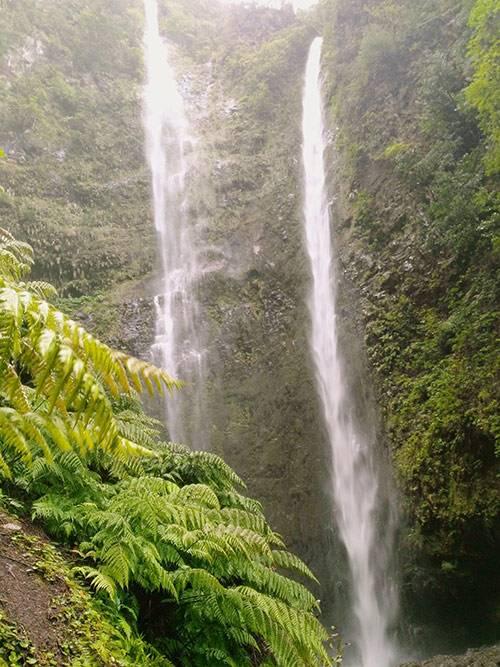 Левада заканчивается водопадом