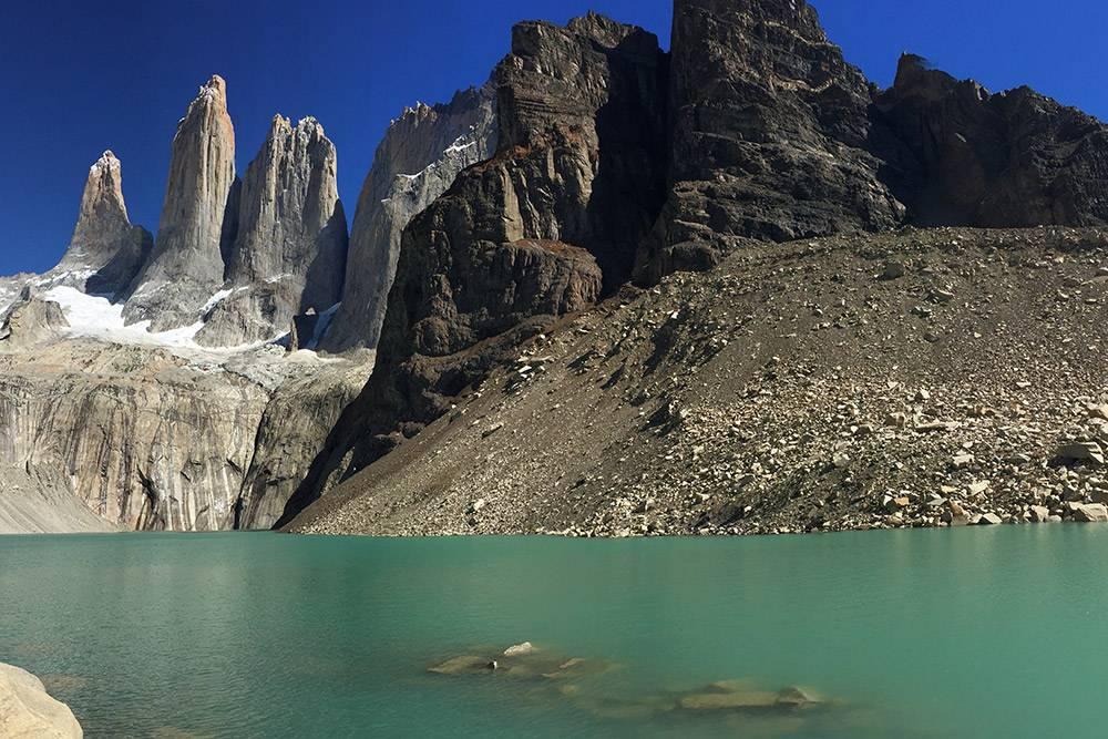 Скалистые башни впарке Торрес-дель-Пайне — самоепопулярное место вчилийской Патагонии