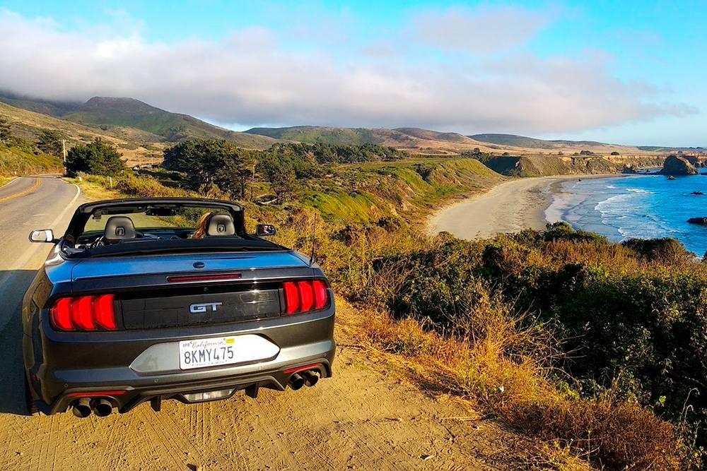 Вид с шоссе №1, которое соединяет Сан-Франциско и Лос-Анджелес. Все 900км проходят вдоль океанского побережья
