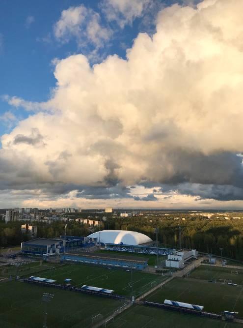 Так выглядит академия «Зенит» из моего окна