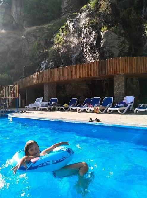 Еще один бассейн в «Аштараки Дзоре»