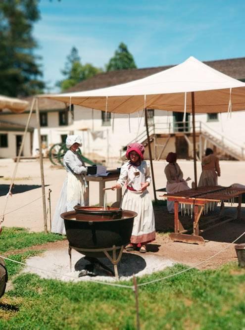 В Sutter's Fort в окрестностях Сакраменто можно узнать об истории Сакраменто и золотодобыче. Вход стоит 7$ (448<span class=ruble>Р</span>)