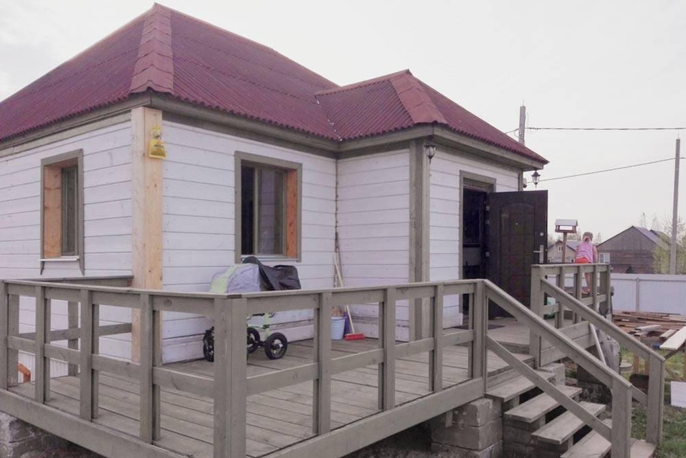По цене четырехкомнатной квартиры нам достался простенький одноэтажный дом из бруса