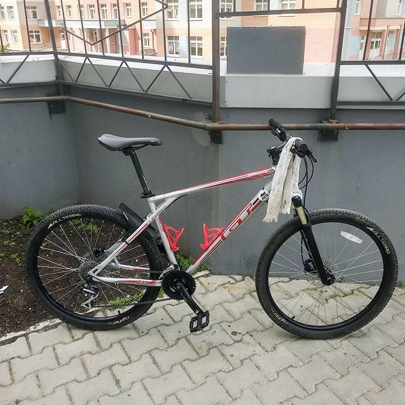 Этот велосипед служит мне уже пятый год, я покупал его за 27 000<span class=ruble>Р</span>