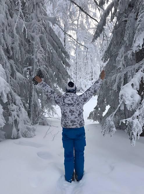 Даже зимой на популярных туристических маршрутах тропы хорошо натоптаны