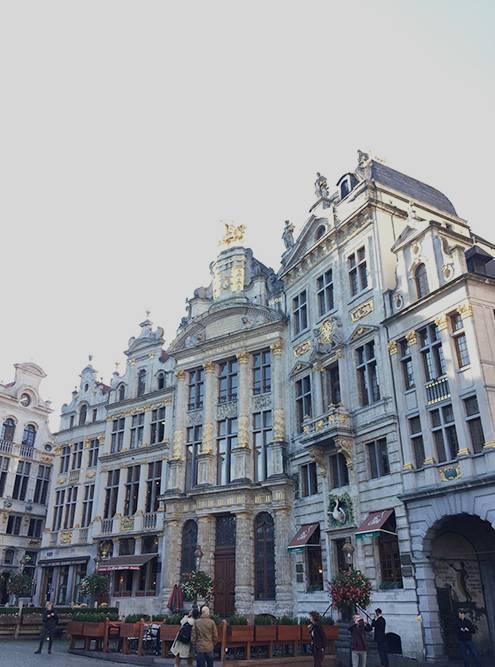 В центре было много красивых зданий