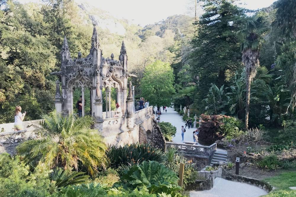 Парк чутьли не интереснее самого дворца