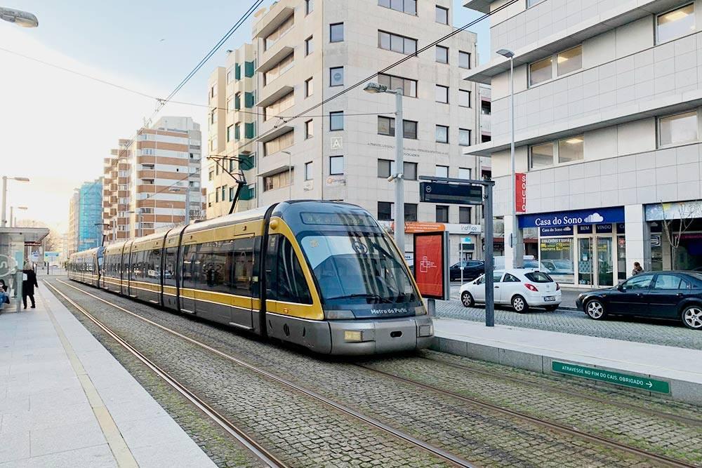 Метро в Порту. Большинство станций — наземные