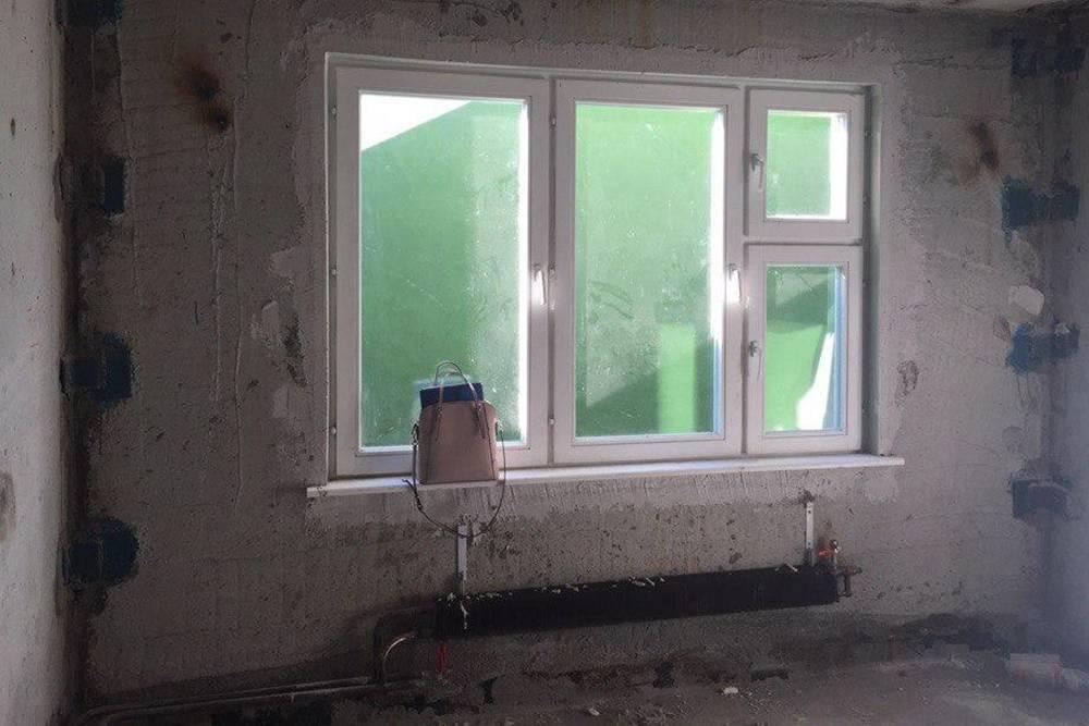 Так выглядел торговый зал в моем помещении до ремонта — голые стены, подведено только отопление