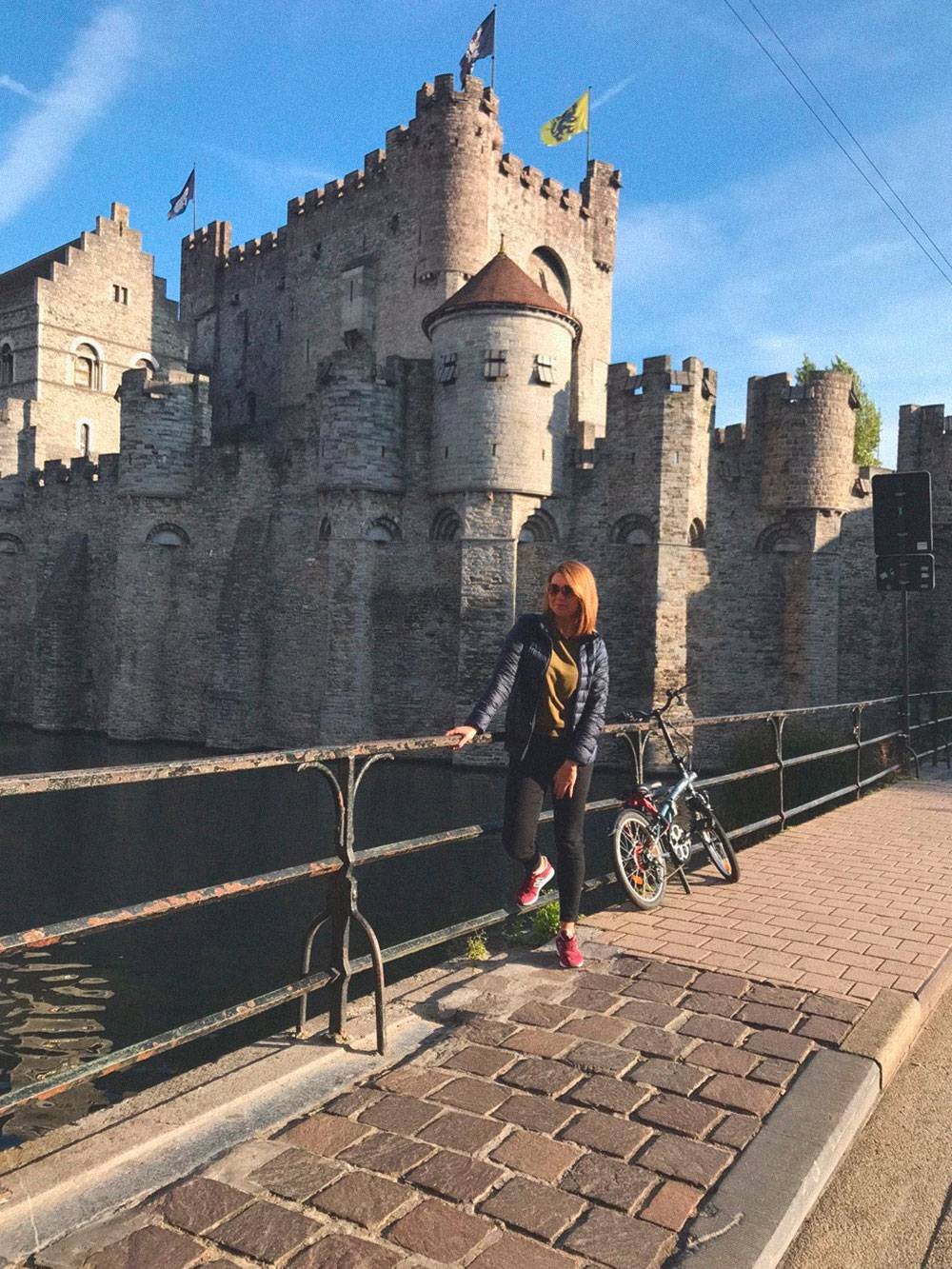 В Генте есть настоящий средневековый замок