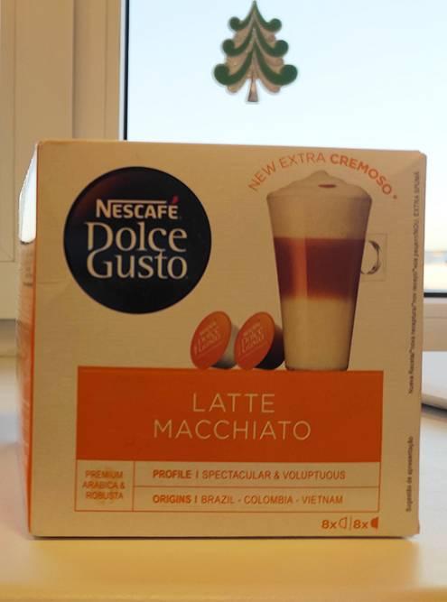 В коробке восемь капсул с молоком и восемь — с кофе. Стараюсь не злоупотреблять и пить кофе не более трех раз в неделю, но иногда выпиваю по три кружки в день