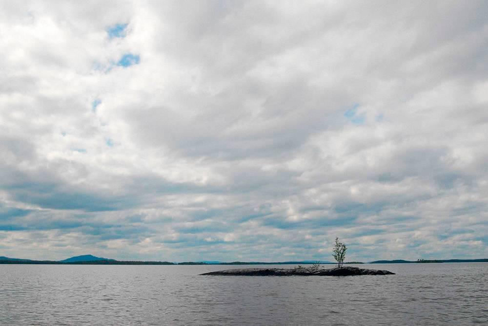 Княжегубское водохранилище. На такое расстояние от берега лучше не отплывать