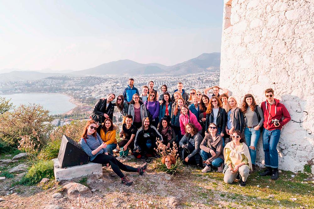 Волонтерство — это не только бесплатные путешествия, но и способ найти друзей из разных стран