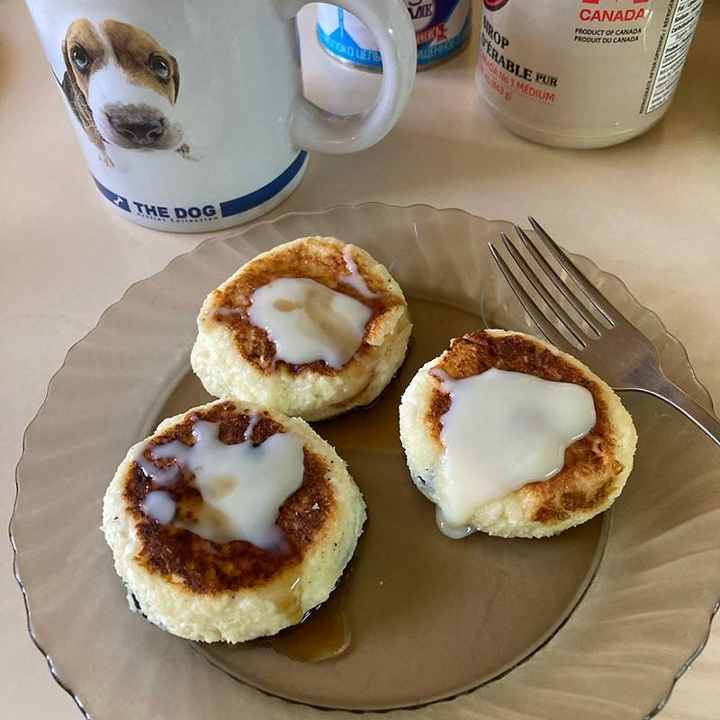 Сырники — один из наших стандартных завтраков. Обычно готовим с запасом
