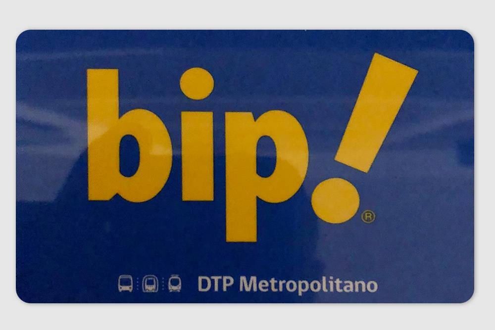 Карта «Бип» для оплаты проезда в метро Сантьяго