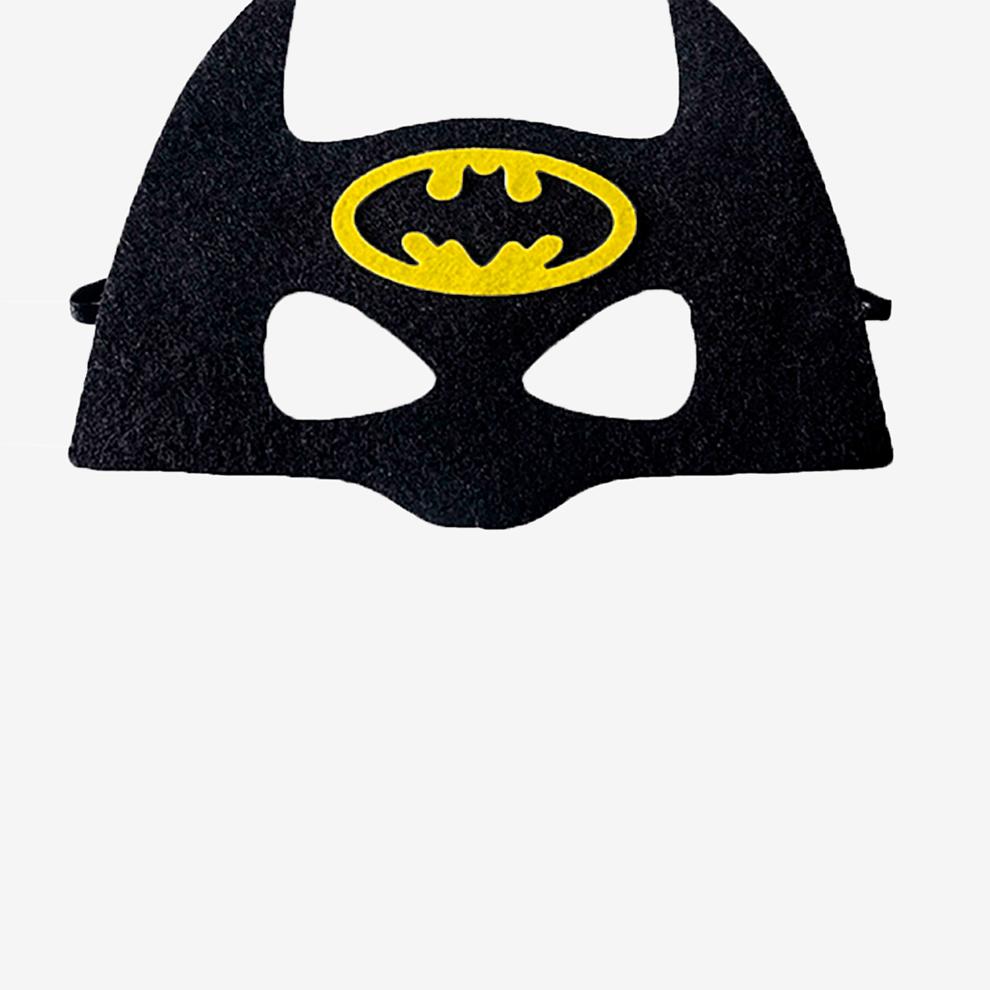 Дляпримера я сделала такую маску Бэтмена. Это картинка с прозрачным фоном размером 1024 × 1024 пикселя