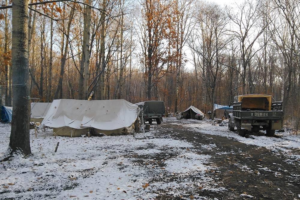 Геологи живут в палатках даже зимой
