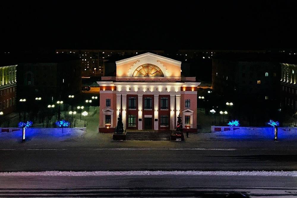 Музей Норильска ночью