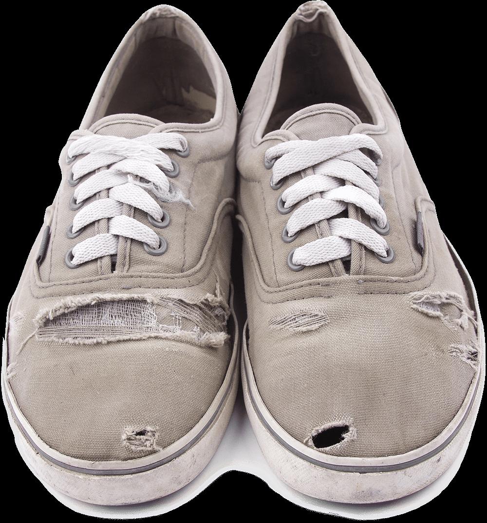 «Развалится и расклеится»: 9 брендов обуви, которую не посоветуешь никому