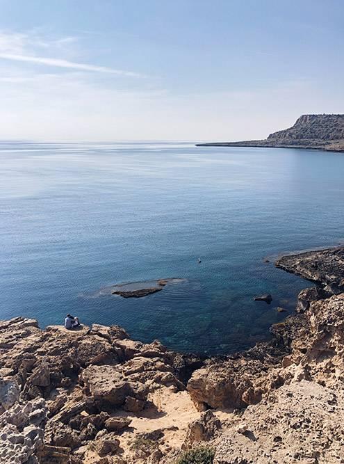 Пляжи на территориях военных баз Акротири и Декелия закрыты дляпосещения. Хорошо, что радары занимают небольшую площадь, места рядом доступны дляместных жителей и туристов