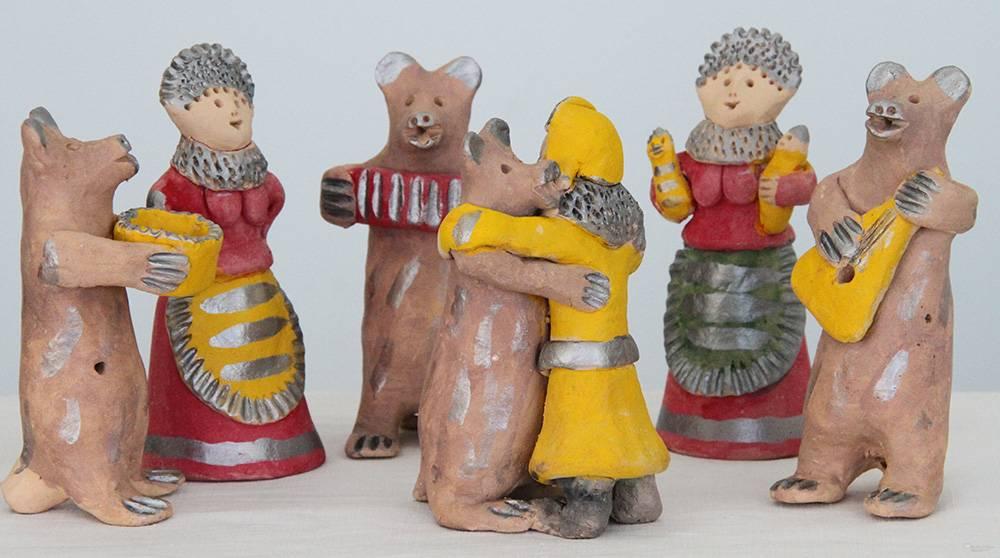 У романовской игрушки более ста сюжетов — от одинокой уточки до запряженной тройки лошадей. Источник: i.pinimg.com