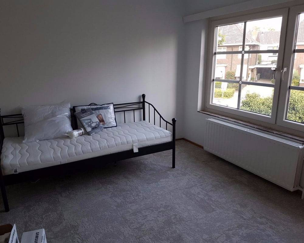 Моя спальня в первый день