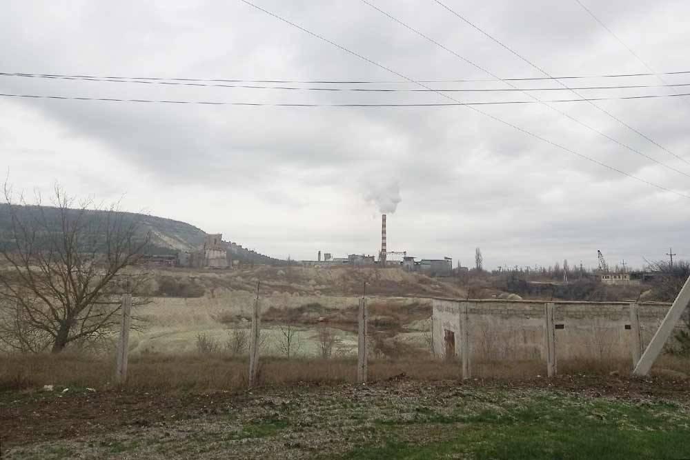 Труба местного цементного завода