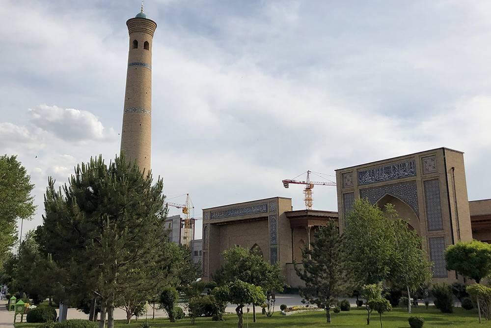 Мечеть — одно изнемногих зданий, переживших землетрясение 1966года