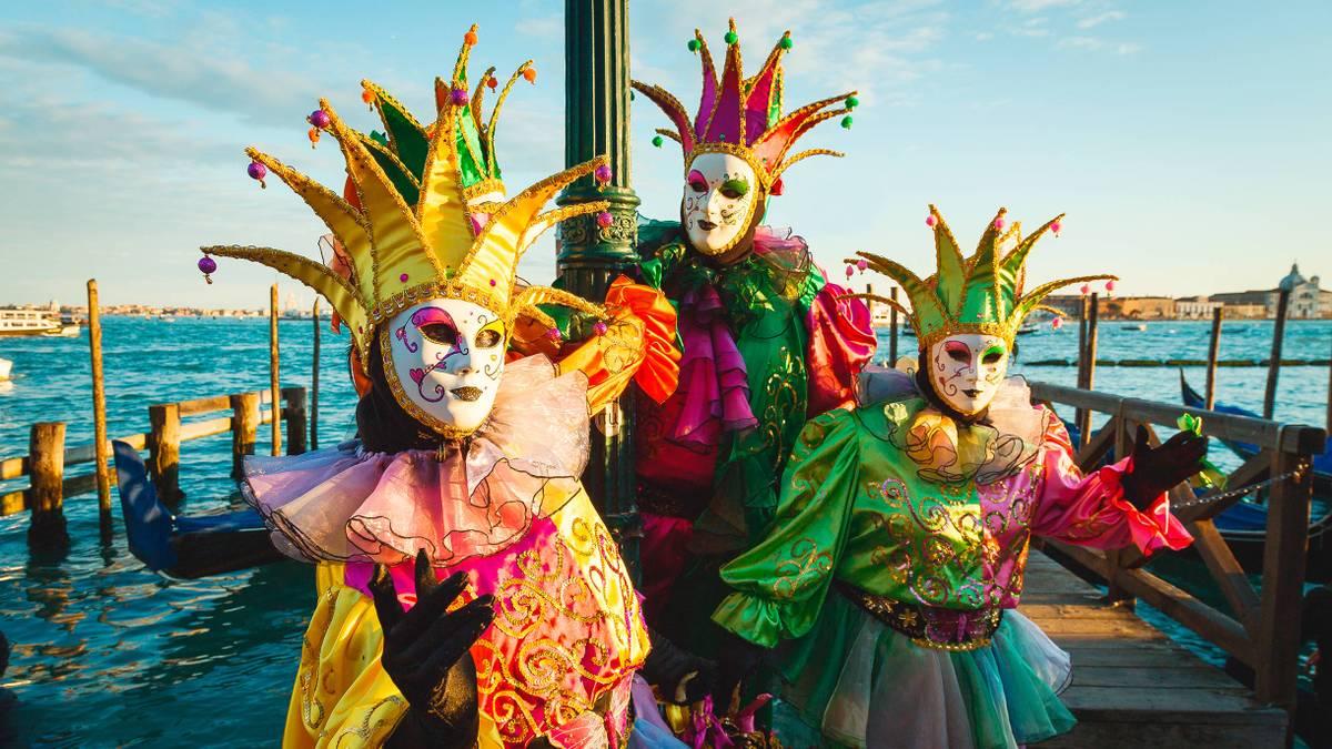 Сколько стоит съездить на Венецианский карнавал
