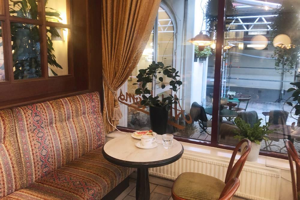Кажется, за 100лет кафе Ahlströms совсем неизменилось