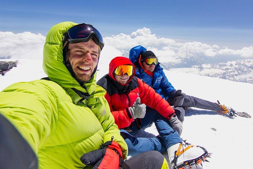 Вершина Эльбруса, июнь 2020 — первый поход после карантина. Любое восхождение — это ощущение победы