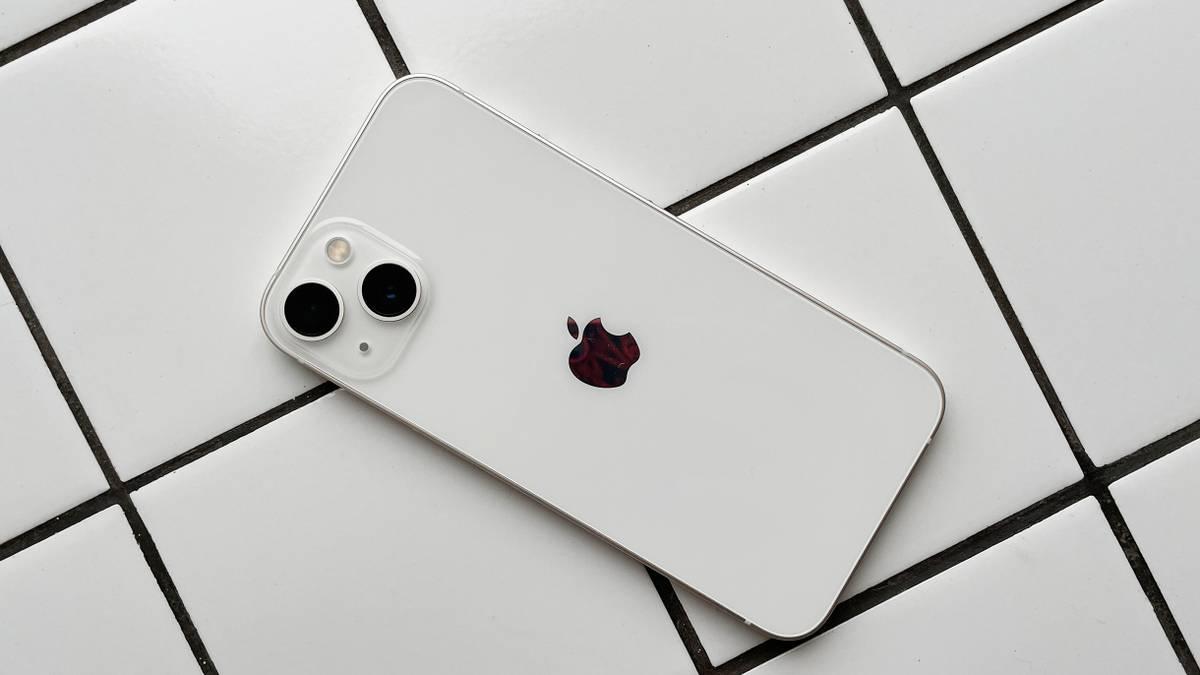 Обзор iPhone 13 — хорошего, но совсем не обязательного смартфона