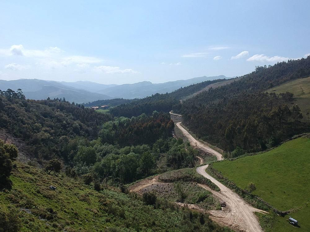 Путь паломников проходит и по холмам, и по деревням, и вдоль моря. Маршрутов несколько, можно выбрать пейзажи и нагрузку по своему вкусу