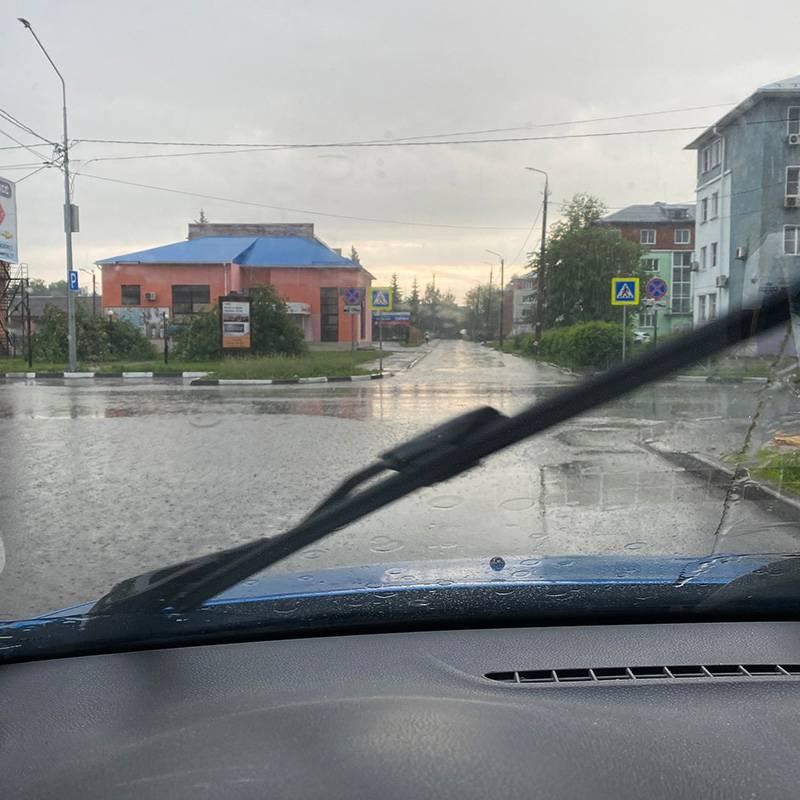 Неприятный дождь — мой утренний попутчик