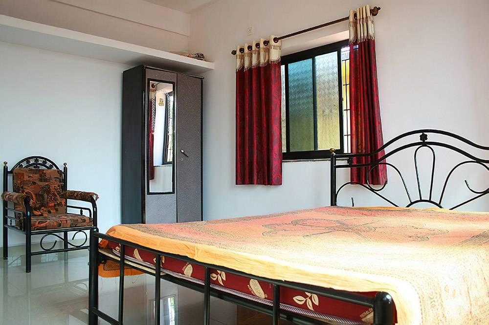 Спальня квартиры за 17$, в которой мы жили в Гоа. Фото из группы во Вконтакте «Allo! Goa. Аренда жилья в Гоа»