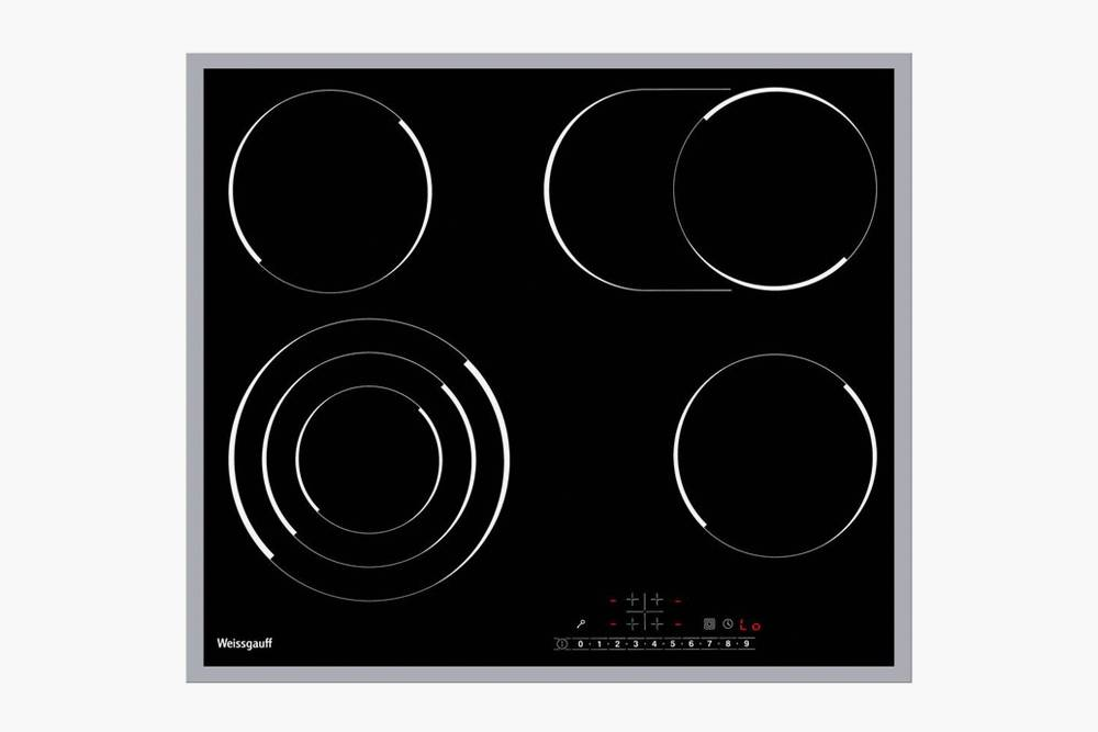 На этой варочной панели есть конфорка с тремя контурами и овальная длянестандартной посуды. Источник: «Яндекс-маркет»